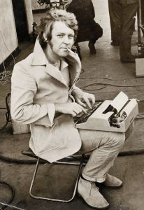 Ted-Lewis-on-the-set-of-Get-Carter-1971